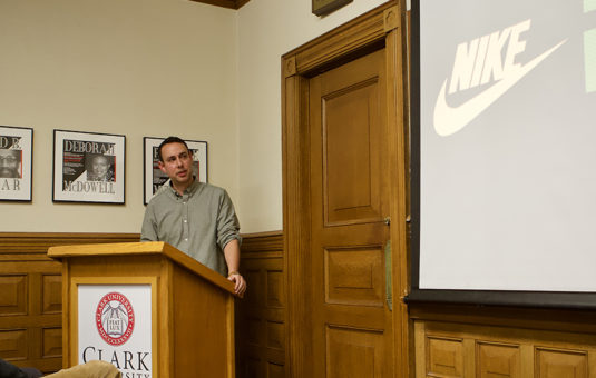 English alumnus from Nike gives a presentation