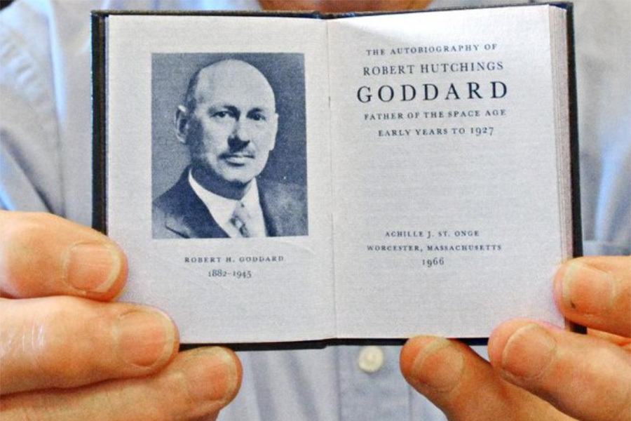 Robert Goddard mini book