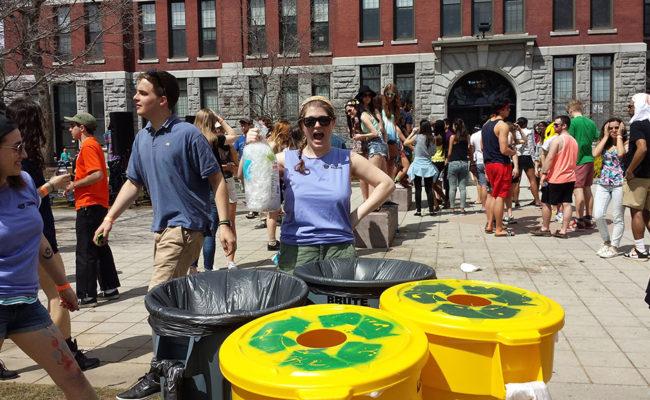 students recylcing