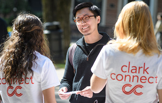 student talking to clarkconnect advisors