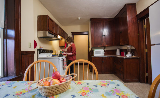 Graduate Housing: 926 Main St. Apartment Kitchen