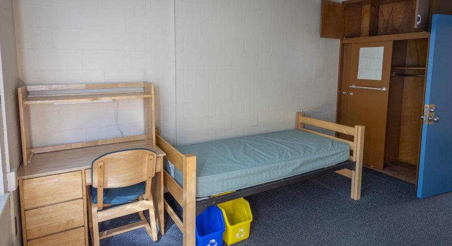 bullock double bed doom room