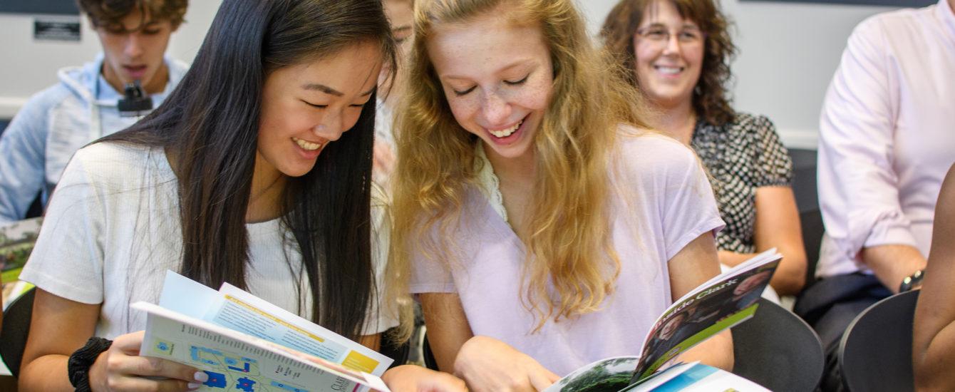 students reviewng book