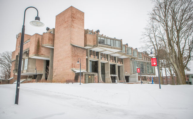Geography building pictured i the sno