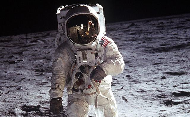 Buzz Aldren on moon