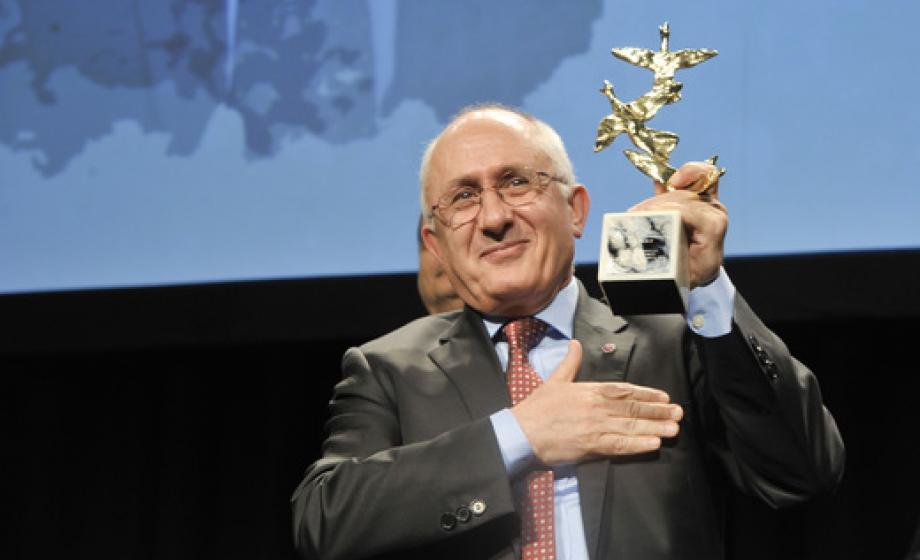 Taner-Akcam-award