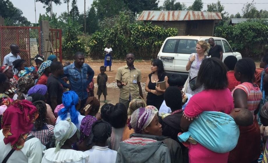 Naama Haviv visits the Congolese village, photo