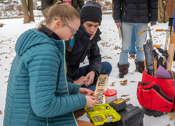 Urban Forestry class installs sign at Hadwen Arboretum