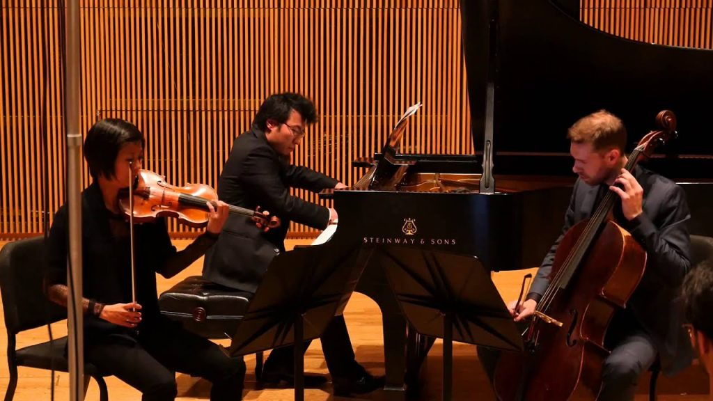 Ecce ensemble performs